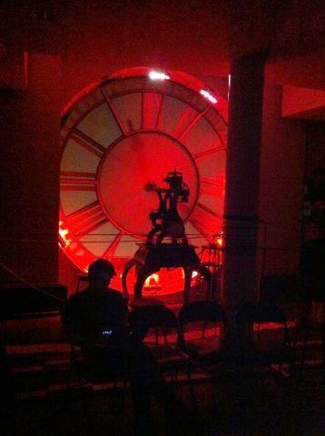 red_clock.jpg