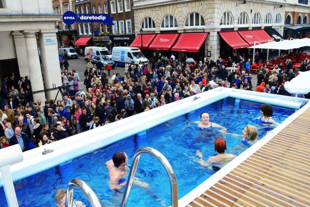 crowd@pool.jpg