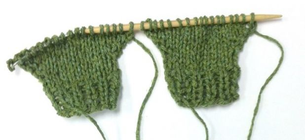 knitting both sides at once.jpg