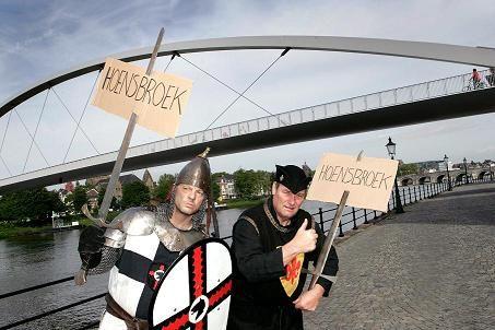 verkl Liftende ridders in Maastricht 190509 2.jpg