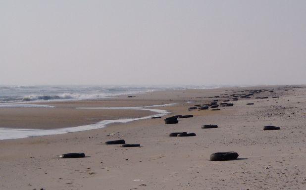 tires on beach 11-09.jpg