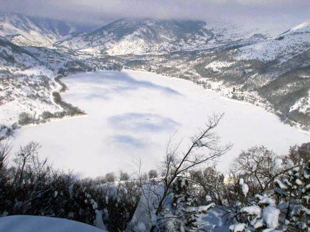 14-2-lago-scanno-ghiacciato.jpg