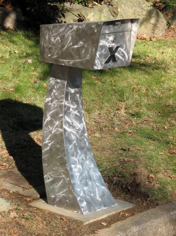 sleek mailbox.JPG