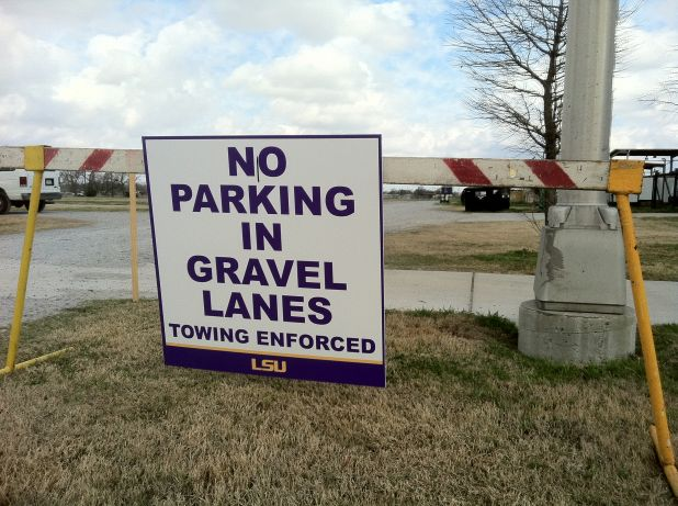 No Parking in Gravel Lanes.jpg