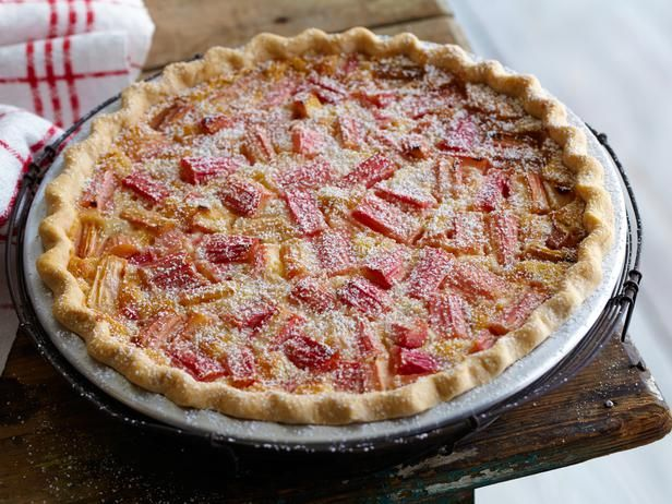 FNK_rhubarb-custard-pie_s4x3_lg.jpg