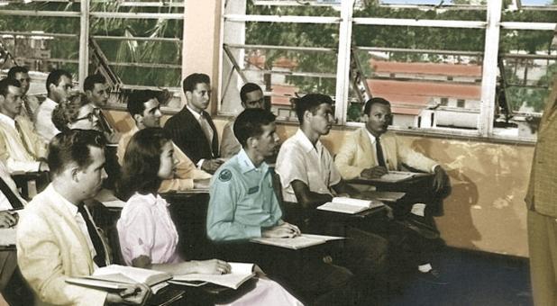 Classroom_Vintage_tinted_1240x550-726x400.jpg