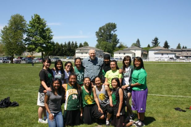Franklin Girls Ultimate and Mike McGinn.jpg