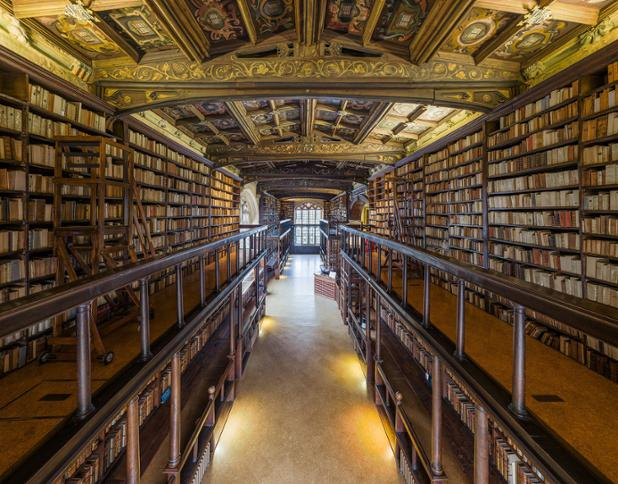 Duke_Humfrey's_Library_Interior_4,_Bodleian_Library,_Oxford,_UK_-_Diliff.jpg