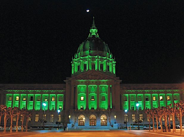 2009 Wicked city hall green.jpg