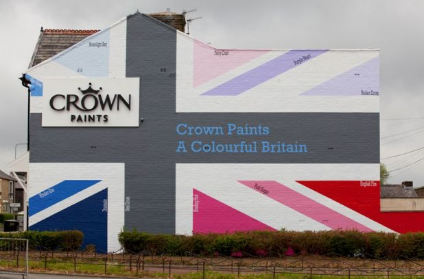 Crown Paints reveals a Union Jack mural in its Lancashire hometown, Darwen, to celebrate the Diamond.jpg