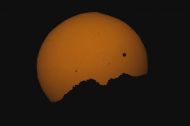 DMNS Venus Transit 08 Rockies.jpg