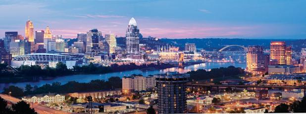 Cincinnati skyline panoramic.jpeg