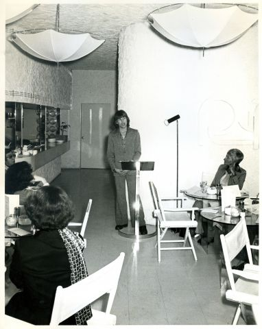 B-1976Jan_first_skincare_lecture_for_salon_at_Woman 76_semin.jpg
