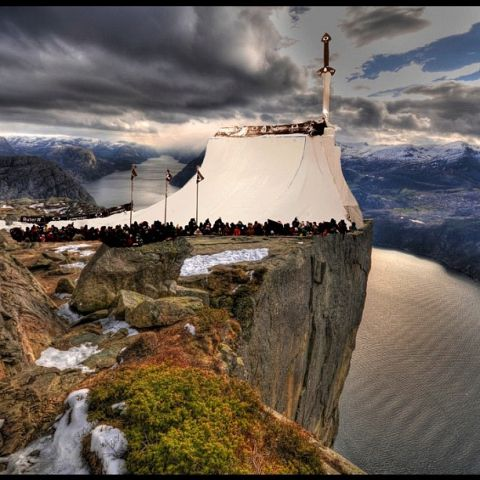 Amazing quarterpipe image from Norway.jpg