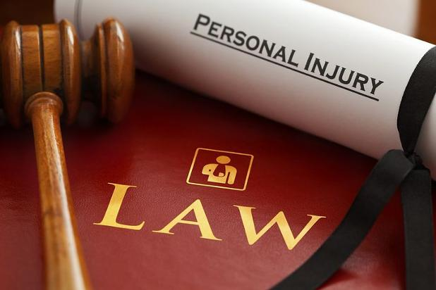lawyers-1000803__480.jpg