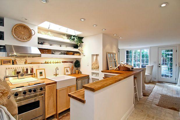 3274 P St Kitchen.jpg