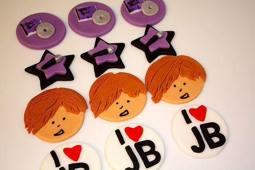 Justin-Bieber-Fondant-Cupcake-Toppers.jpg