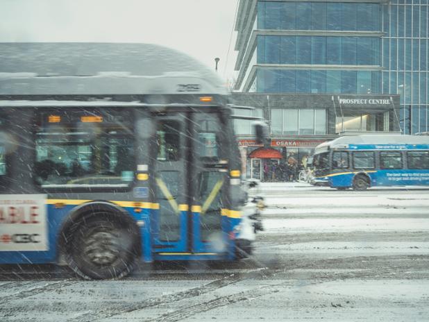 Snowfall_bus_broadway_20190210_7022.jpg