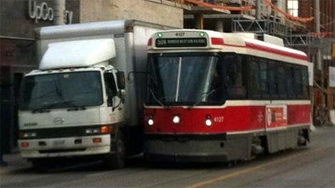 470_truck_blocking_streetcar_toronto_120104.jpg