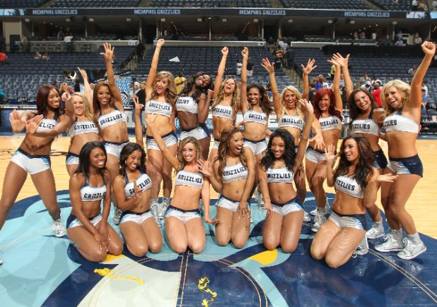 grizzgirls-136215518-0608670.jpg