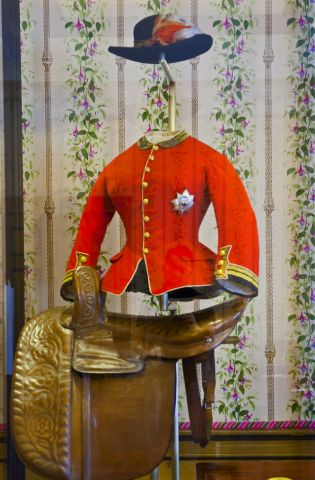 QV riding outfit.jpg