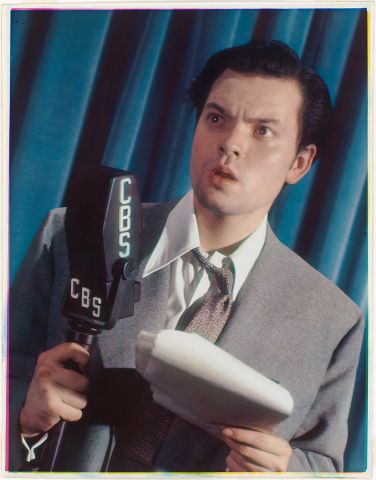 Orson Welles by Harry Warnecke. Color Carbro print, 1939. National Portrait Gallery, Smithsonian Ins.jpg