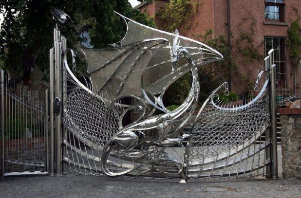 dragongate.jpg