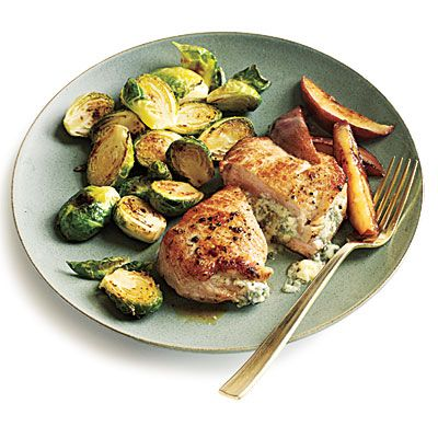 1110p167-blue-cheese-stuffed-pork-chops-pears-l.jpg