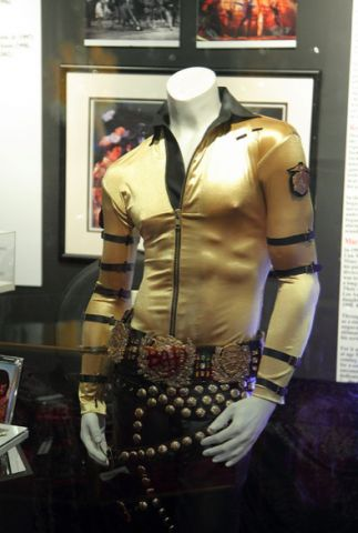 Michael_Jackson_costume.png