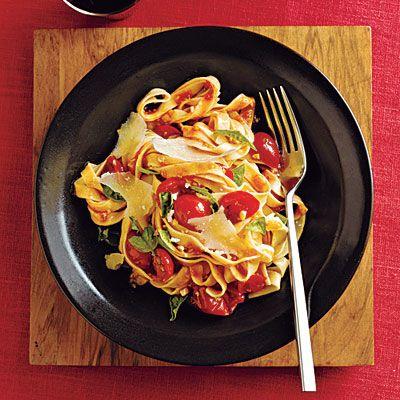 1009p30-pasta-tomato-basil-l.jpg