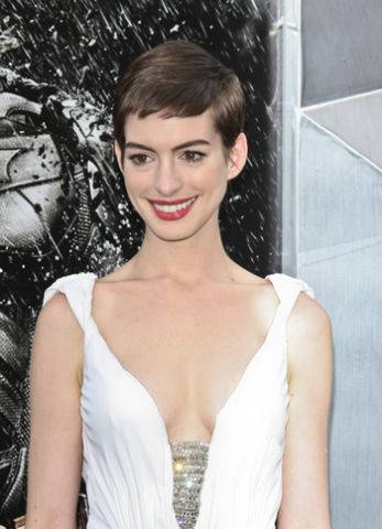 anne-hathaway-dark-knight-rises-05_prphotos.jpg