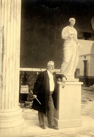 Carlsberg - Carl Jacobsen with Sculpture 1910.jpg