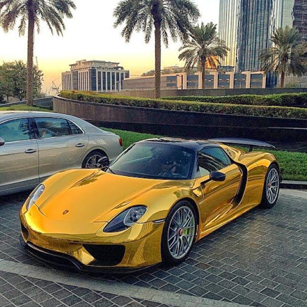 Porsche-918-Gold-Chrome-3.jpg