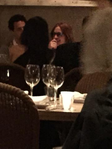 George and Amal having dinner with Julia Roberts April 20, 2015 As4Ef