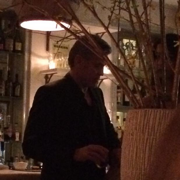 George and Amal having dinner with Julia Roberts April 20, 2015 As4Gc