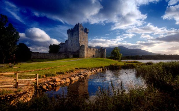 ross-castle-ireland-killarney-1440x900.jpg