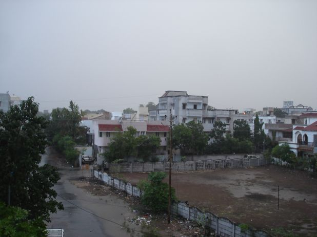1st monsoon rain 2011 008.jpg
