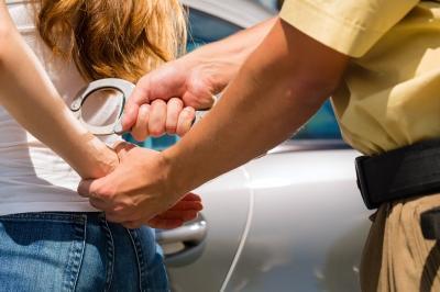 arrest-of-a-woman-shutterstock-1072x714_400_266.jpg