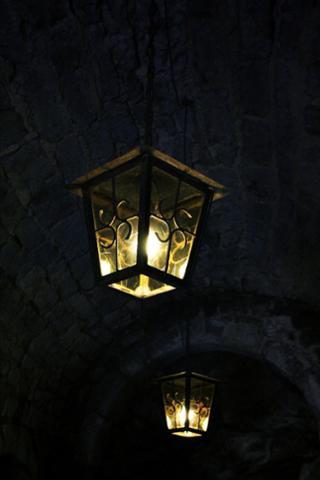 lamp-403677_1920.jpg
