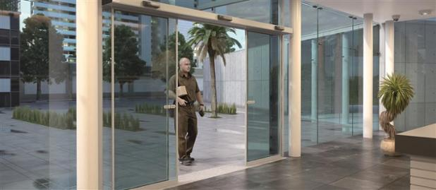 Besam SL500SL Glass building_interior UPS person-HR.jpg