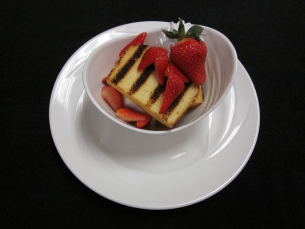 Strawberry Poundcake.JPG