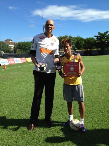 Neymar with Book .jpg