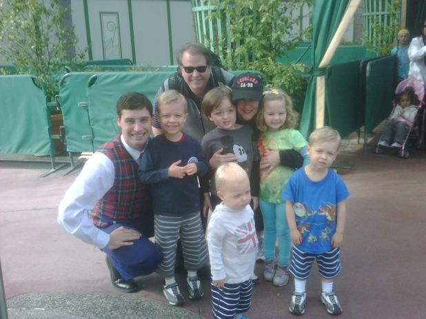 AT disney w jdavid & lucy & my EPs children!.jpg