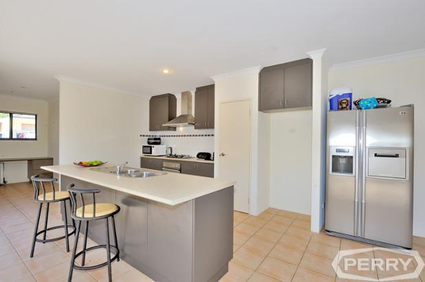 9 Bremer Way SOuth Yunderup  -17.JPG