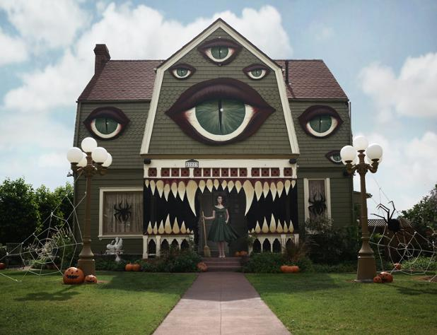 monster-house-christine-mcconnell-halloween-designboom-02.jpg