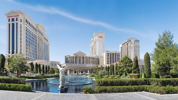 caesars fountains.jpg