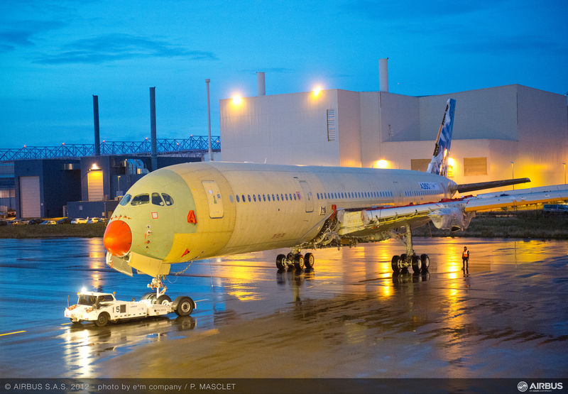 800x600_1354610765_A350_XWB_MSN1_journey_to_station_30.jpg