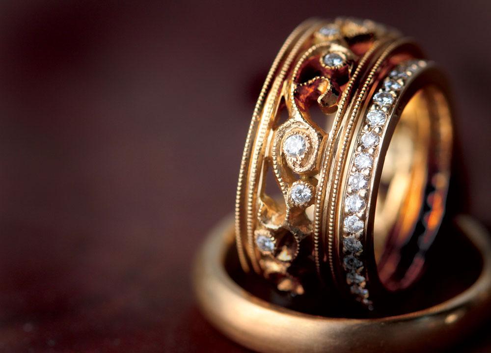 vine-band-gold-closeup.jpg