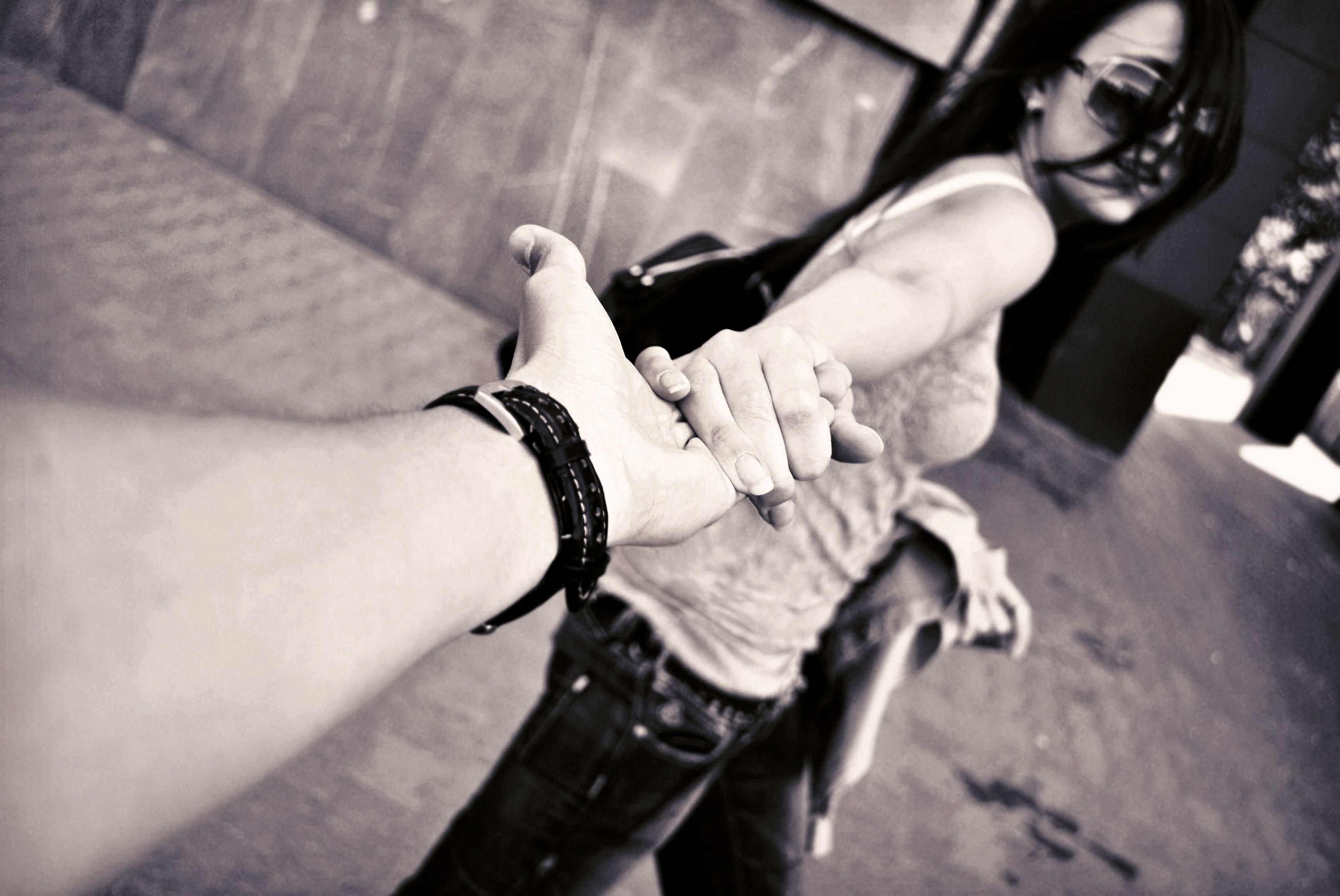 Смотреть онлайн мужик принуждает девочку к сексу 25 фотография