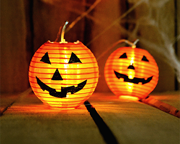 jack-o-lantern-lights-at-halloween.png